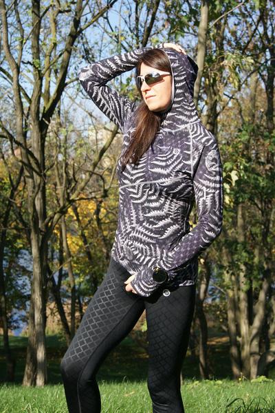 Training sweatshirt with a hood Black Fern - LBK-10P3
