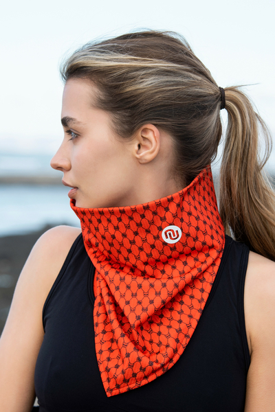 Thermoactive Triangular Scarf Galaxy Red - ATK-9G4
